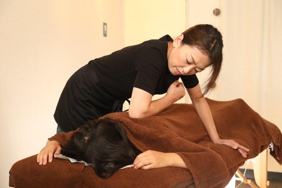 【首・肩・腰痛メインコース】90分 お顔とボディのトータルバランス整体ケア