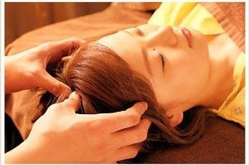 【脳休ヘッドマッサージ(30分)】首〜肩〜顔を中...