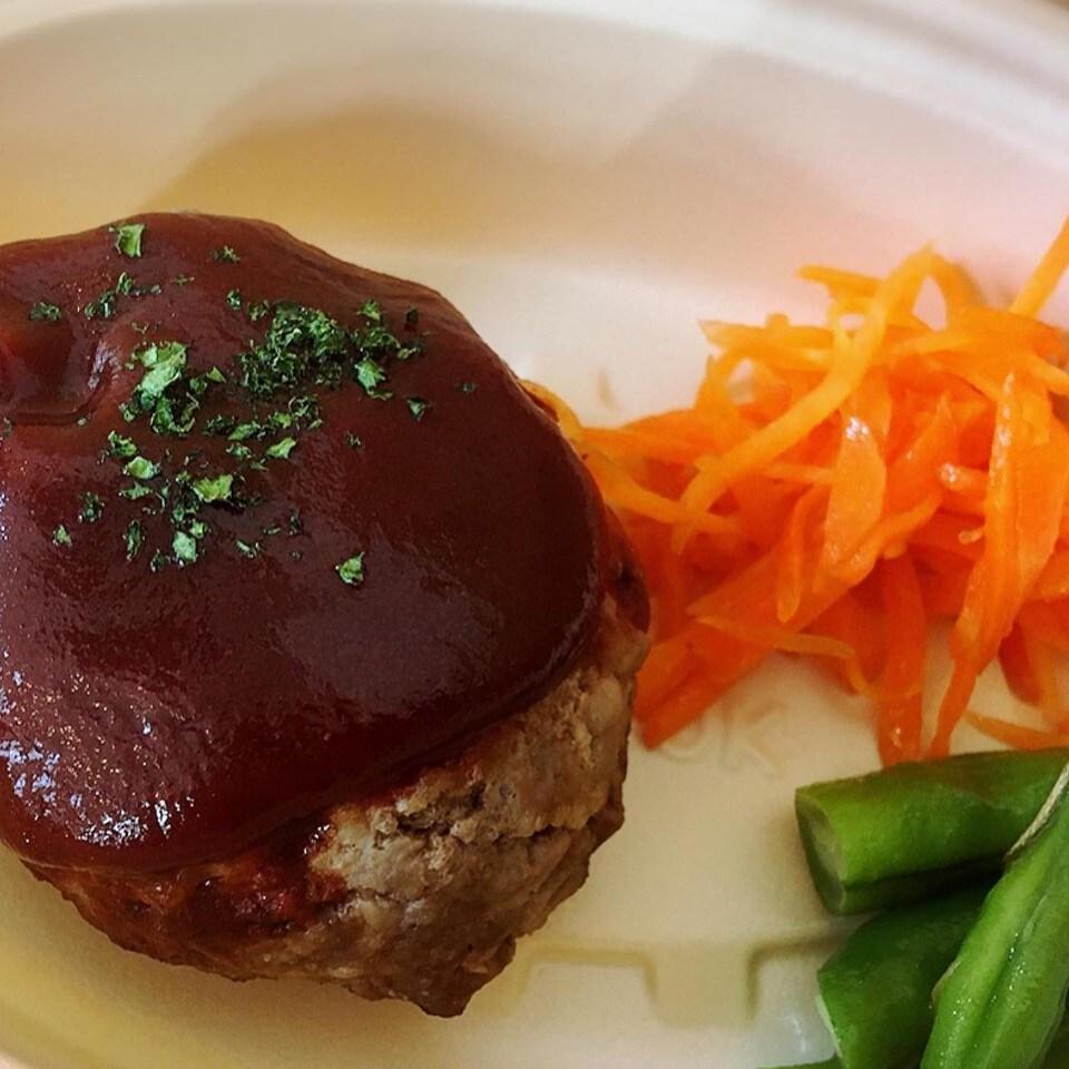 奥沢・自由が丘|台所「玉ねぎ」 | ハンバーグ好きも絶賛!牧草牛ハンバーグ