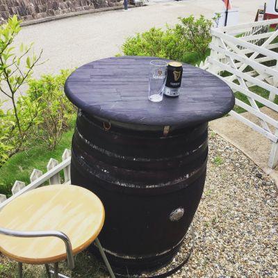 🔱ウイスキー樽のテーブルでティータイムは如何でしょうか?🔱