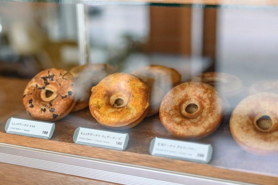 手土産におすすめのお取り寄せスイーツ/グルテンフリーの玄米ドーナツが人気の沖縄の小さなドーナツショップ「HYGGE/ヒュッゲ」 | ウェブチケットでポイントゲットしませんか?