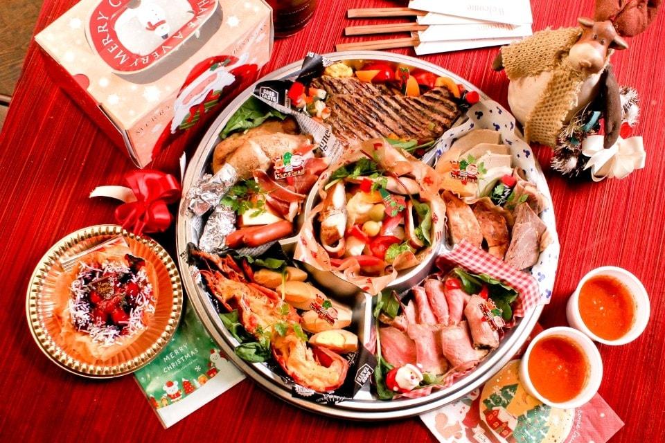デラセラ【Dela-cera】誕生日記念日お祝い&自家製ハムとスモークのレストラン[愛知/名古屋/一宮/稲沢/清州で愛され早30年!テイクアウト] | クリスマス・テイクアウト特別セットが新登場です!