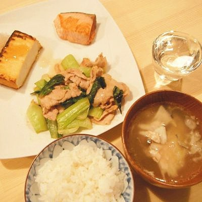 ウケヅキ〜和酒とふるさと食材の店〜