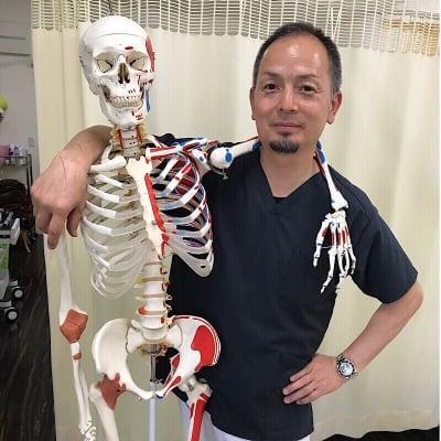 【猫背矯正専門】藤原整骨院 五十肩 整体