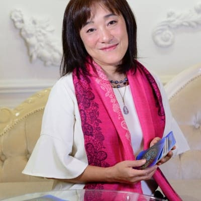 クリスタルボウル演奏/開運タロット鑑定・コーチング 愛乃音羽の部屋