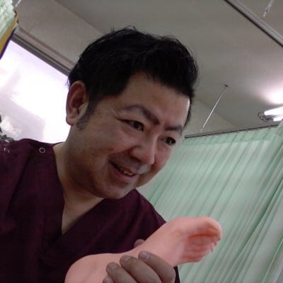 加古川、播磨町で頑固なコリや痛み、足のトラブル…。その痛み、あきらめないで!【徳山接骨院】にまかせてください!質の高い本格的鍼治療で遠方からも来院!