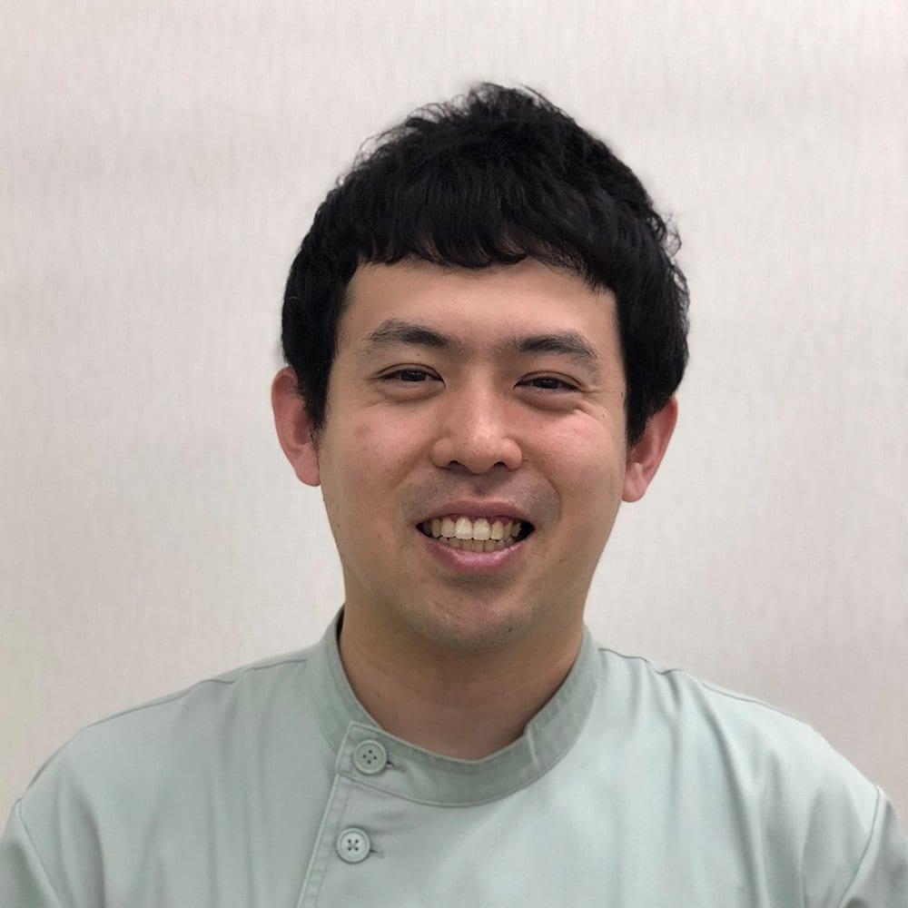 よこやま高橋接骨院の院長  神崎裕介です