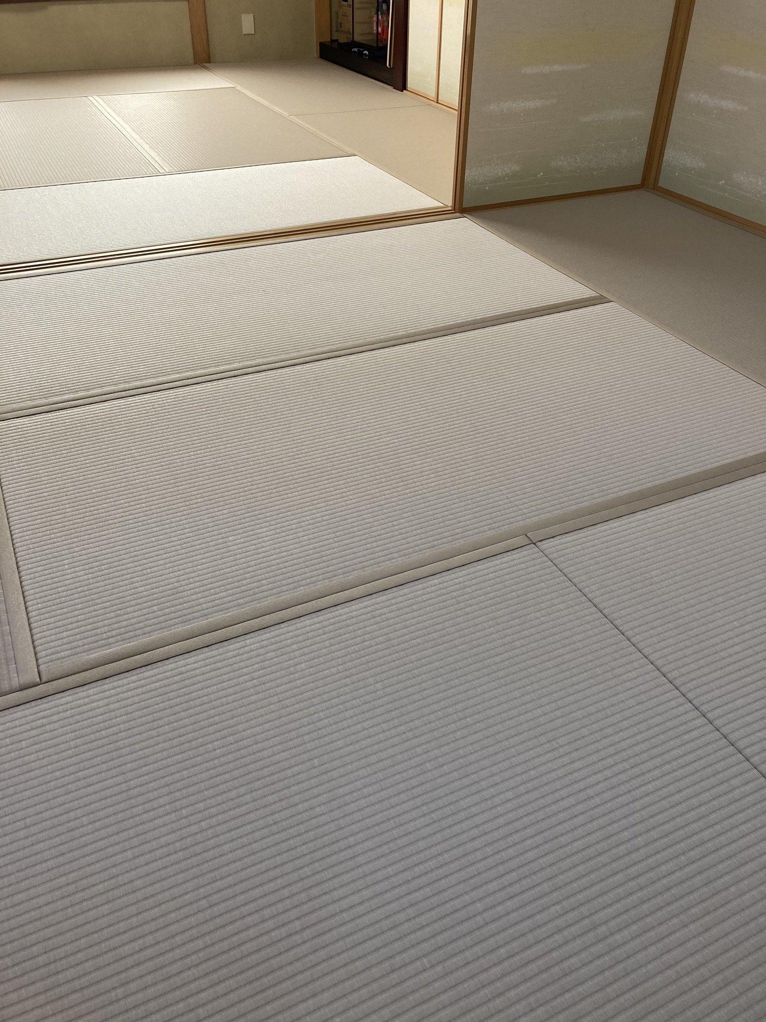 ダイケン銀白カラー表灰桜色
