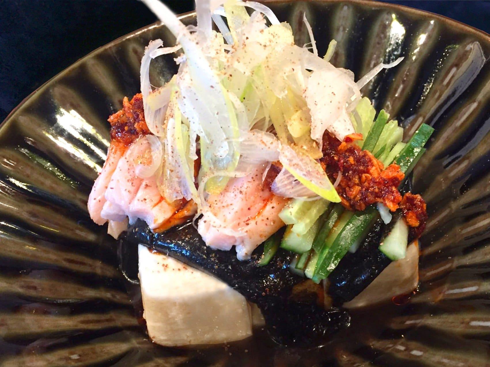 蒸し鶏と豆富の胡麻サラダ
