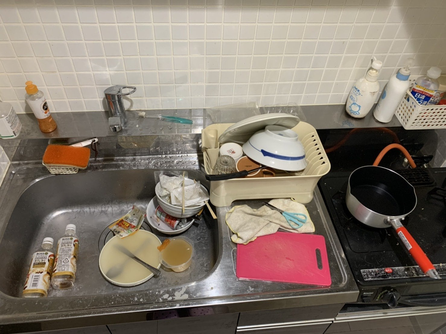 キッチン周り(お掃除前)
