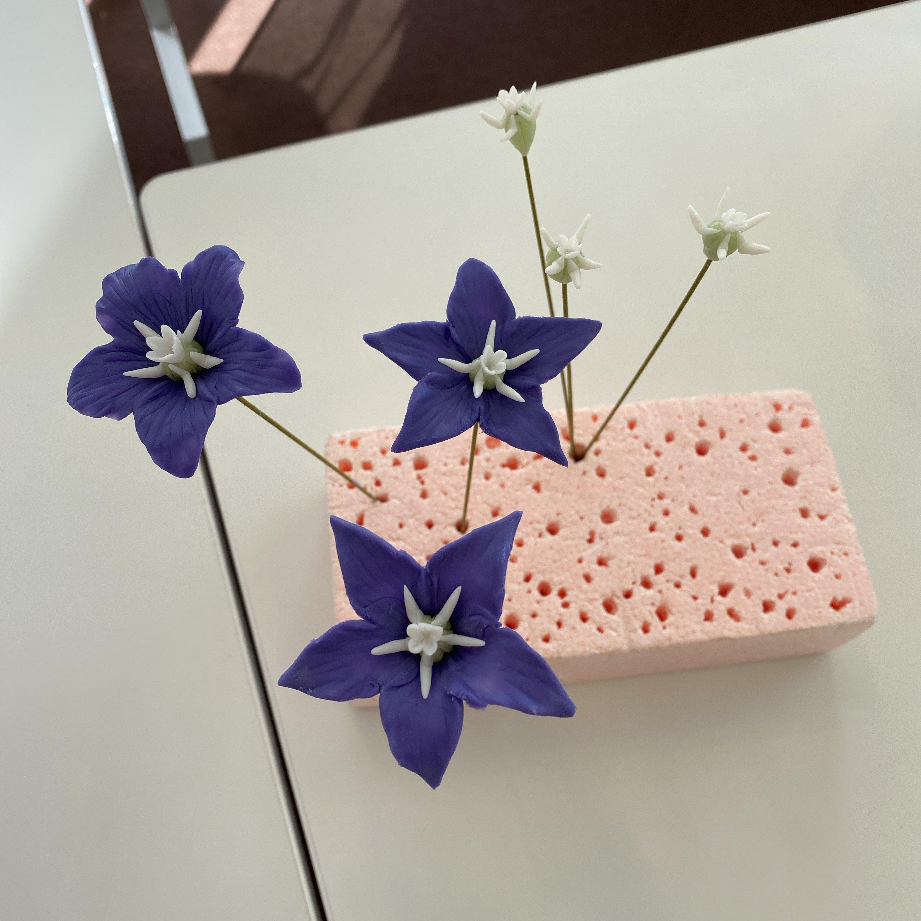 ハンドメイド/クレイフラワー(粘土で作ったお花)/キキョウ