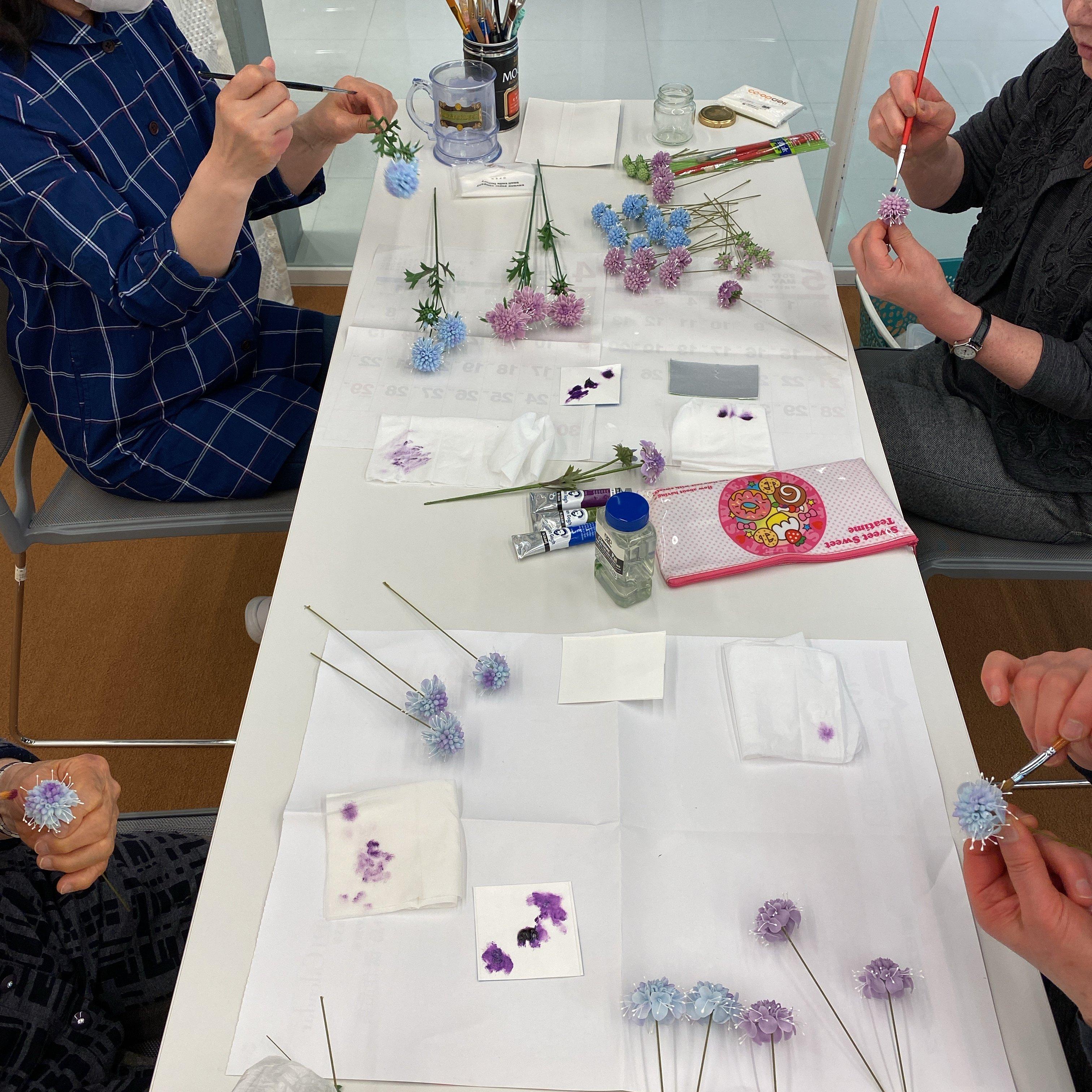 ハンドメイド/クレイフラワー(粘土で作ったお花)/スカビオサ