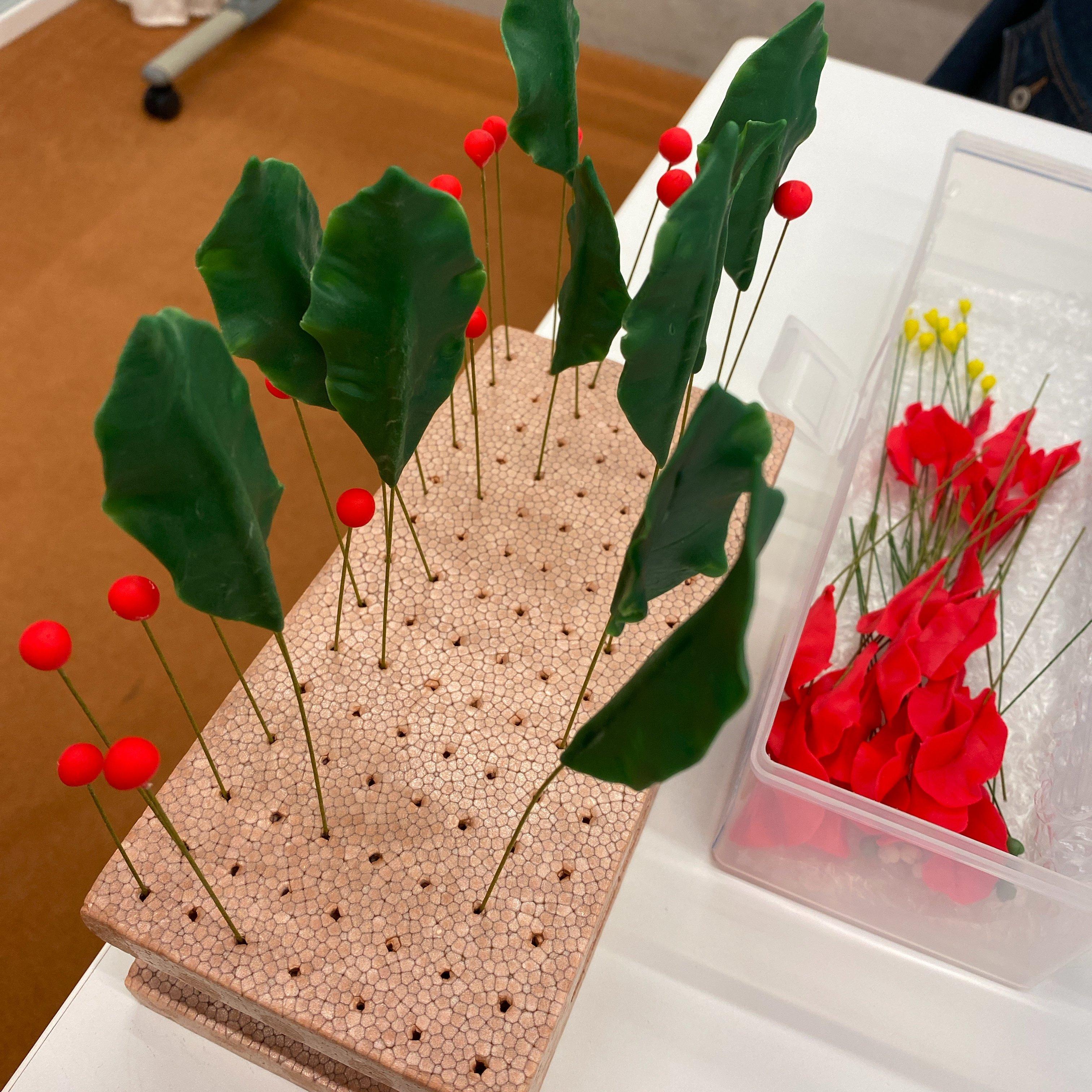 ハンドメイド/クレイフラワー(粘土で作ったお花)/ポインセチア