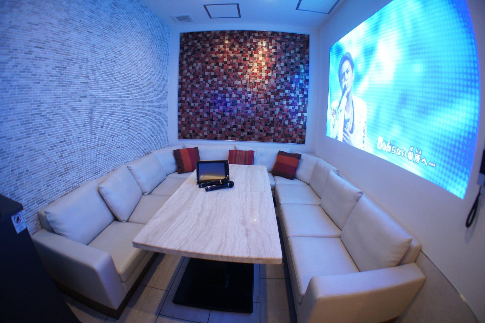 VIP ROOM2