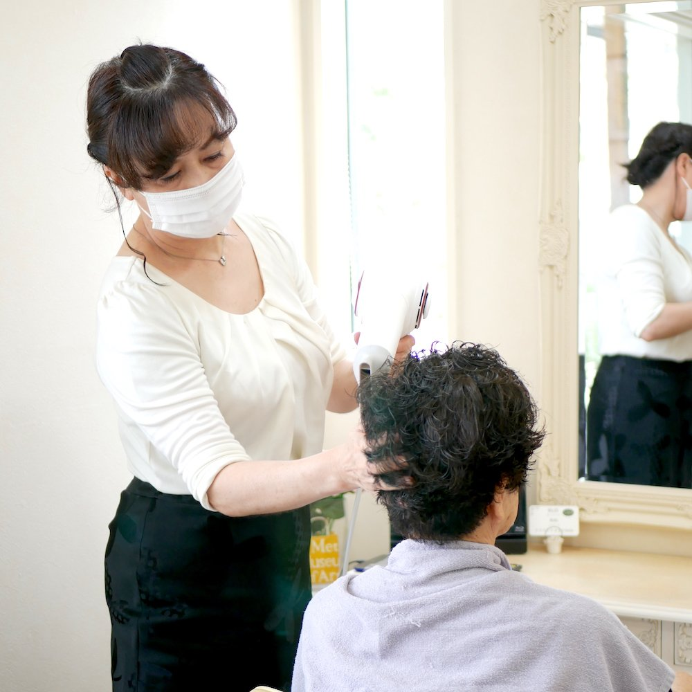 Hair Art Little(ヘアアートリトル)の施術風景