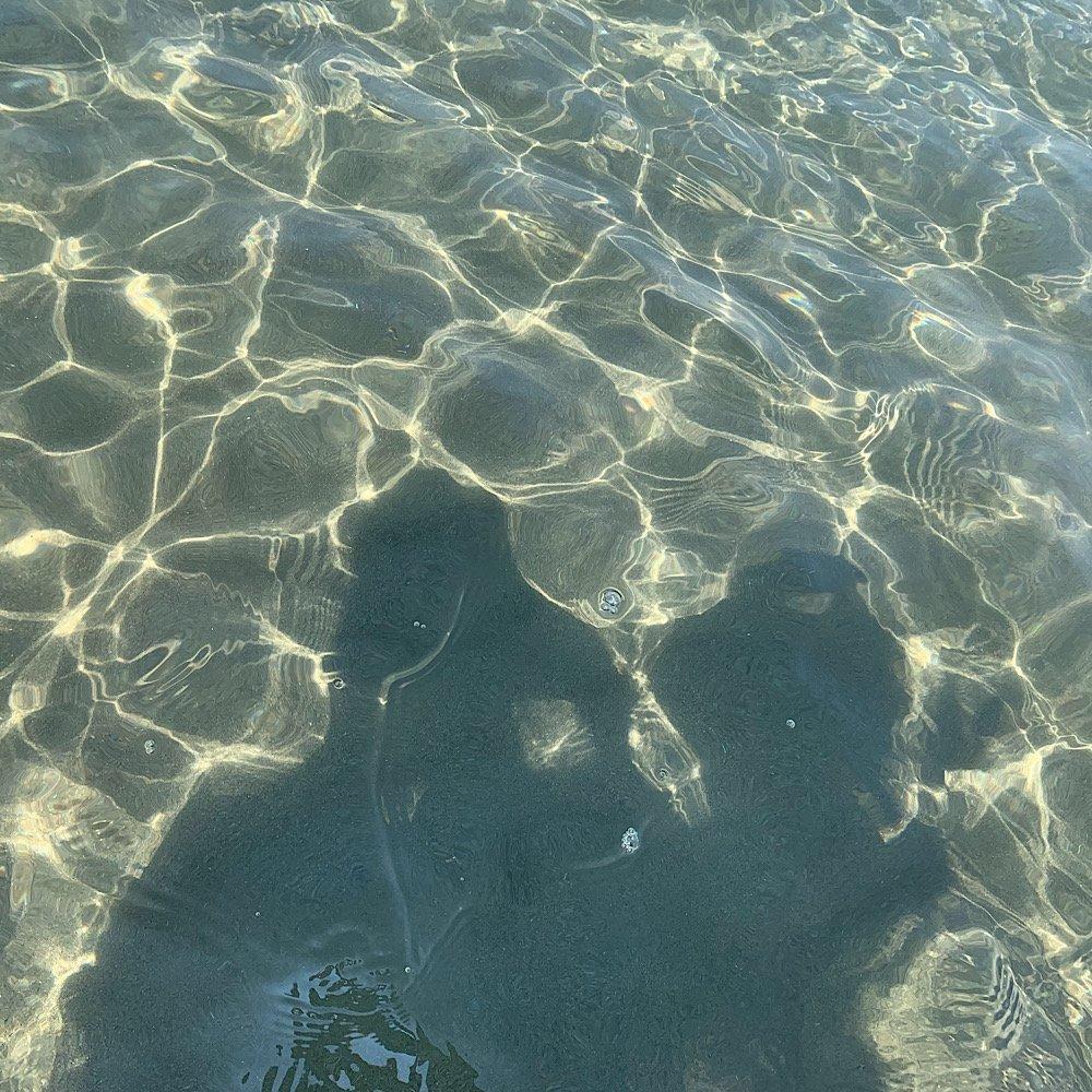 波の紋様/透き通った海