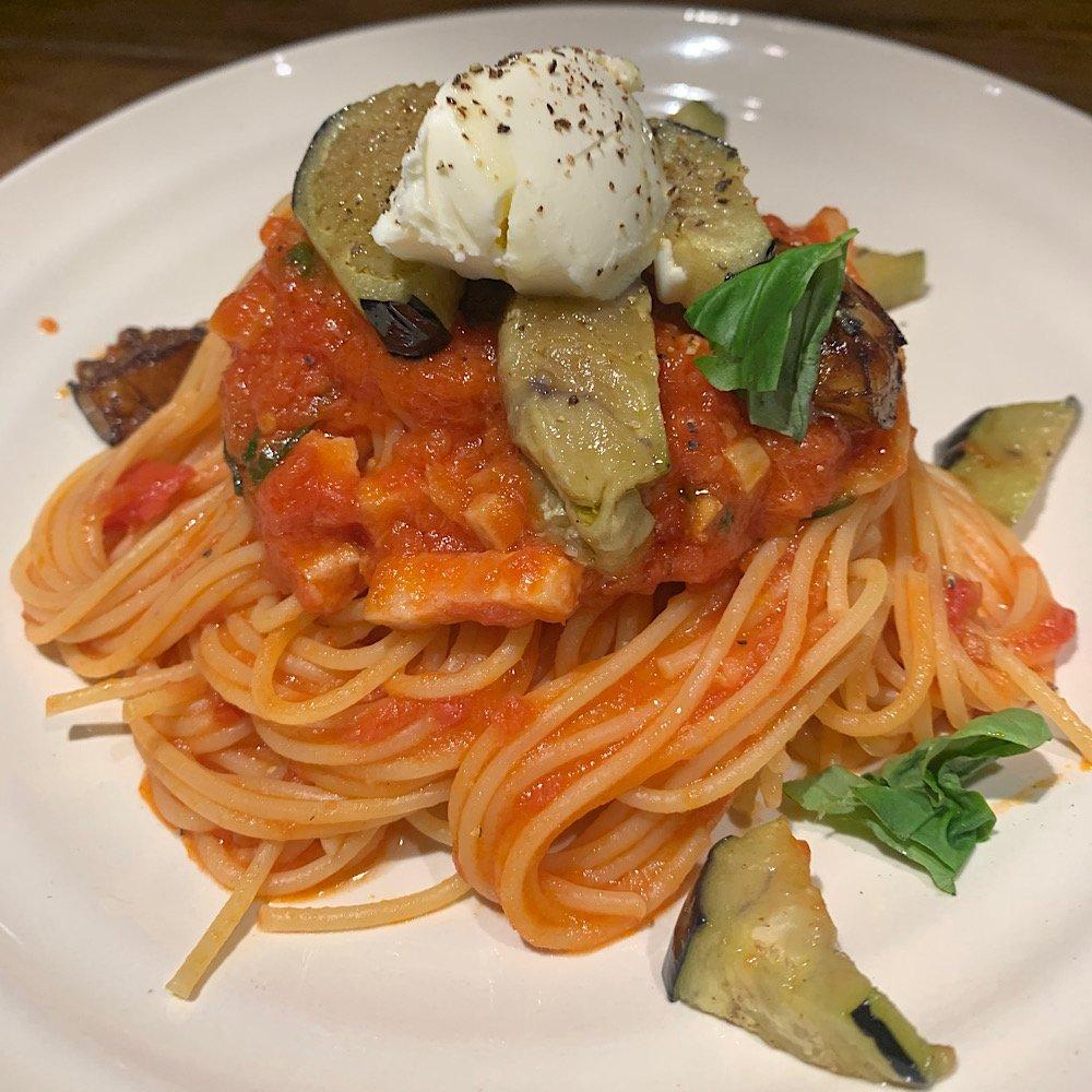 マスカルポーネとトマトのパスタ