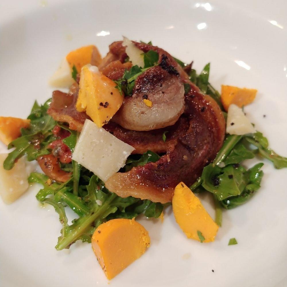 リベロ ジビエヨコタの猪ローストとルッコラのサラダ
