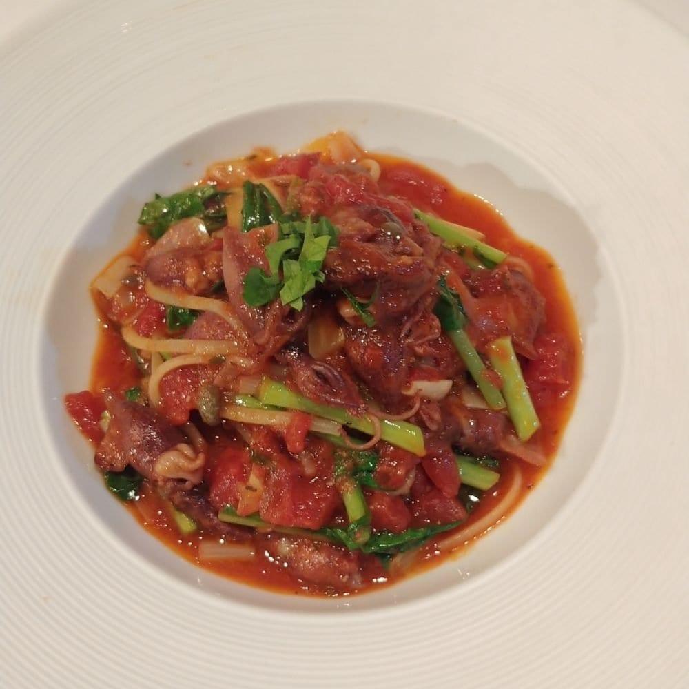 リベロ ホタルイカと季節野菜のピリ辛トマトパスタ