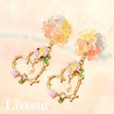 【プリンセスシリーズ】Livreur(リヴルール)揺れるお花のブーケ◇◆ピアス(イヤリング)