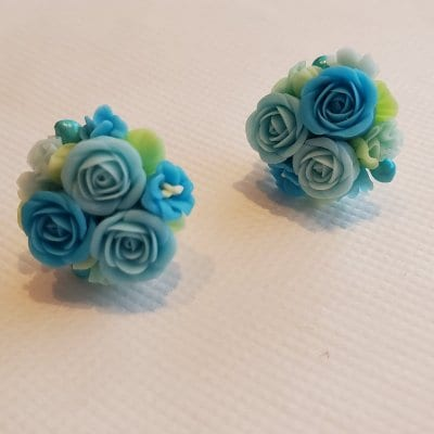 送料無料!3色の水色のバラが美しすぎる直結ピアス