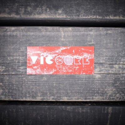 viccore ボックスロゴステッカー RED