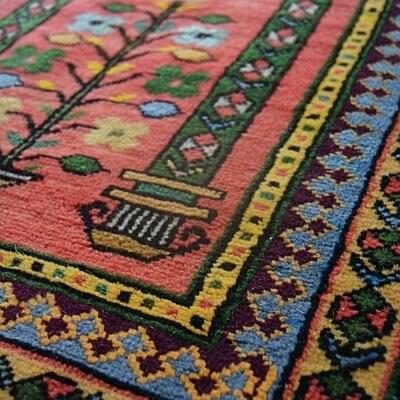 送料込み ビンテージ・可愛らしいお祈り用絨毯 トルコ コンヤ ラデ...