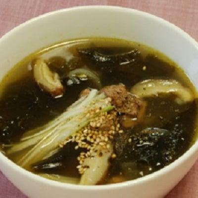【店頭払いのみ】2.10韓国料理ビビンバ!と わかめスープ、即席キムチ