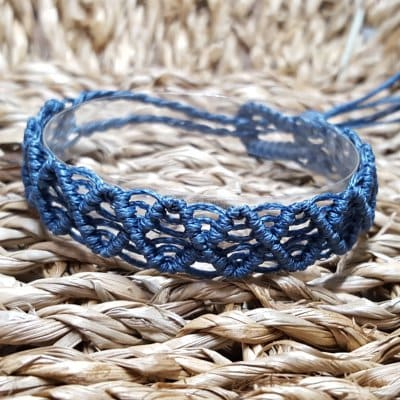 手作りマクラメ編み ミサンガ [藍色]