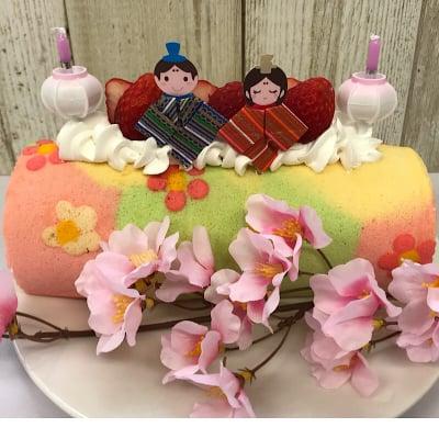 【ご予約限定】苺たっぷりひな祭りロールケーキ