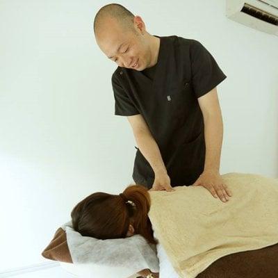 完全予約・紹介制 慢性腰痛改善チケット EVOL代表 加藤賢