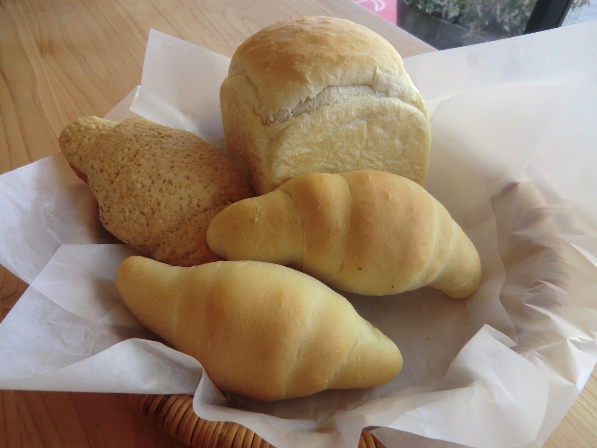旬楽膳 日進店 6月20日(水)『塩食パン・塩ロールパン』絶妙な塩気とバターの風味がクセになります。のイメージその1