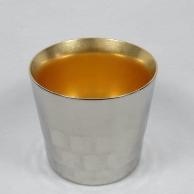 【メイドイン燕の逸品】Migaki Meister 酒盃 <箔調仕上げ><燕の職人が丹精込めて仕上げた堅牢で美しいステンレス二重構造タンブラー。お酒を美味しく引き立てると共に、金箔張りを思わせる内面24金メッキ仕上げは和の祝い事の席に最適です>【ギフト包装・のし紙対応】