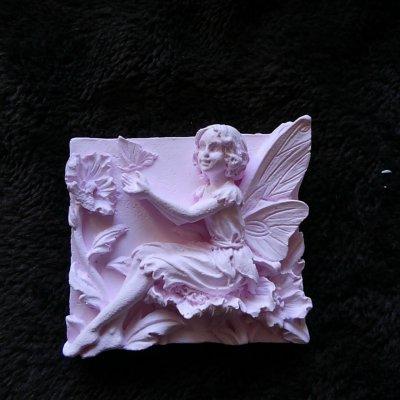 どこに置いても可愛く香りの良い アロマストーン 妖精