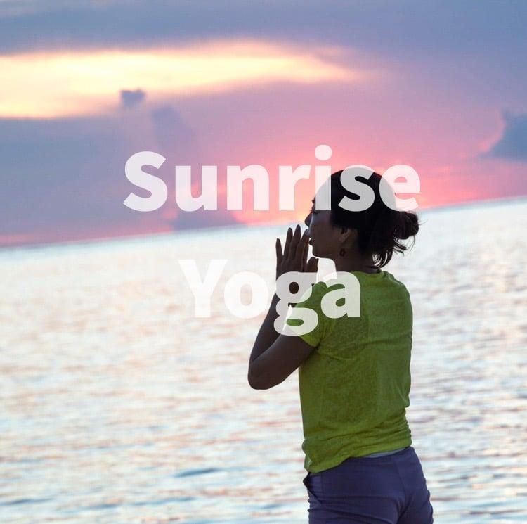 2020年8月22日(土)瀬長島でサンライズヨガ&ビーチクリーン(ドリンクセット)のイメージその2