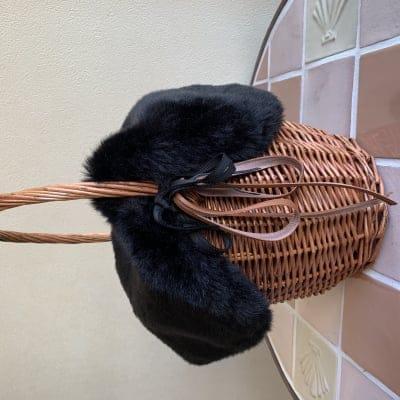 【送料無料】秋冬仕様 ファー付かごバッグ 取り外し可能 黒 ブラック 1点もの ラタン素材