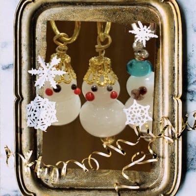 小川様専用 好評クリスマス限定 とんぼ玉の小さな小さな雪だるまとツリーセット ピアス、イヤリング取外しタイプ