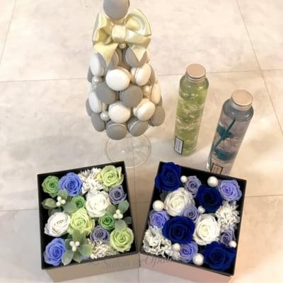 【母の日ギフト】プリザーブドフラワーとパフュームフラワーのフラワーアレンジメント BOXアレンジLサイズ(ブルー)