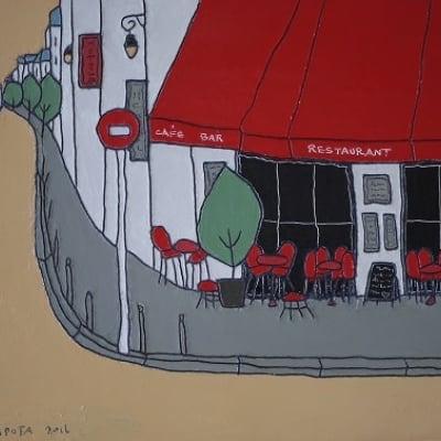 曲がり角の赤いカフェ