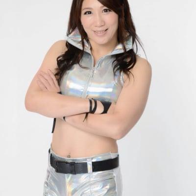 プロレスリングWAVEの桜花由美と奈良の生駒で交流会