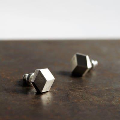 [POLYGON-cut]pierce No.2