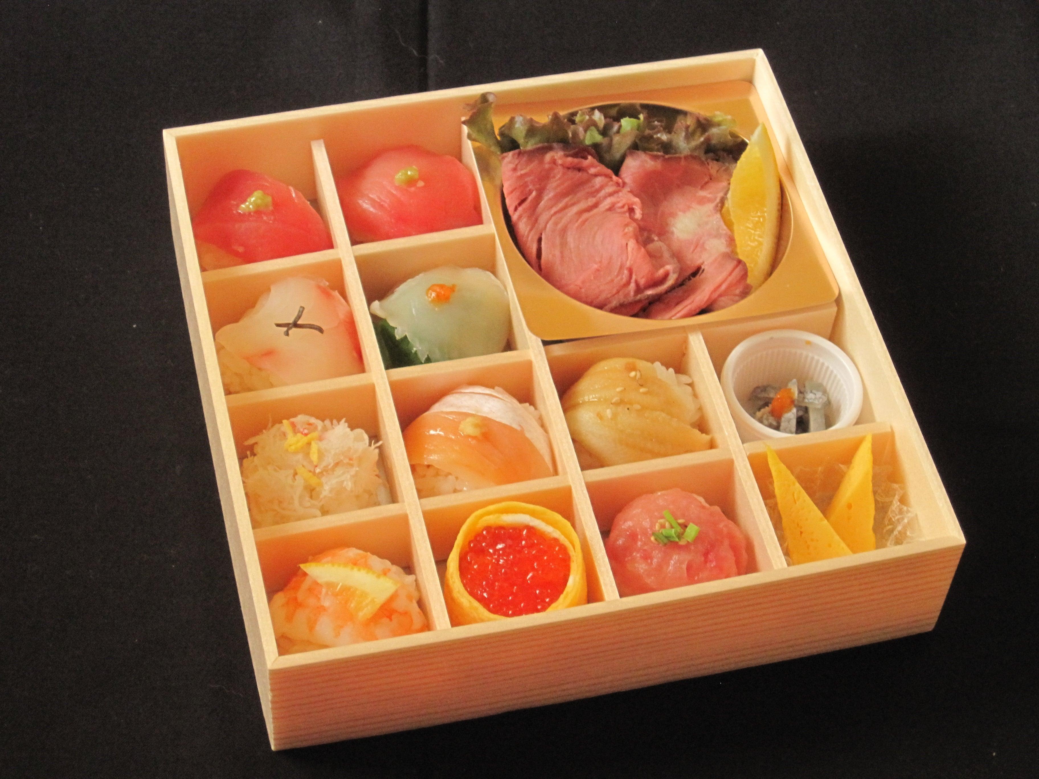 大切な日や自分へのご褒美に 極上 贅沢手まり寿司とローストビーフ御膳(要予約商品)のイメージその1