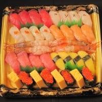 今日ご飯何にしようかしら? ご飯つくってる時間ないは?とお困りのあなたへ 一本買いの天然まぐろ入 特上にぎり寿司セット
