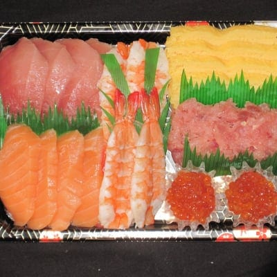「ママ楽ちん!ファミリー手巻寿司ねたセット4人前」(7種のねた、酢飯、海苔付き) ※要予約商品