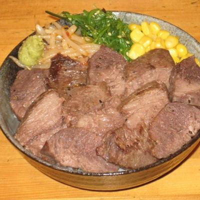 一番人気のマグロステーキ丼(スペシャルサイズ)
