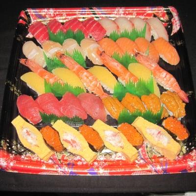 大切な日やホームパーティーに 1本買いの天然まぐろ入り 江戸前にぎり寿司4人前セット