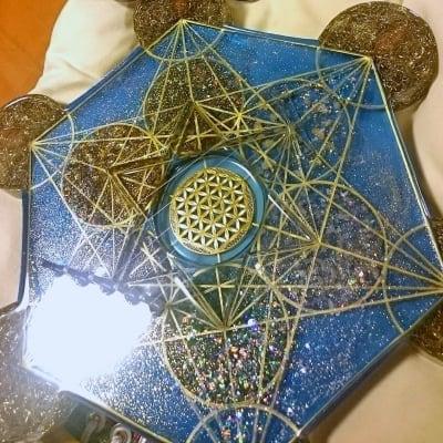 Hiro✡オリジナル オルゴナイト〜Orgonite〜メタトロンキューブ型5弦オルゴンハープ
