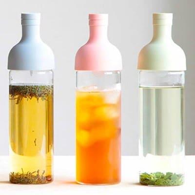 お家で水出しアイスティー作りが楽々|ハリオ 耐熱フィルターインボトル 750ml|ライトブルー|温冷両使い