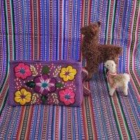ペルーのハンドメイドポーチ 紫