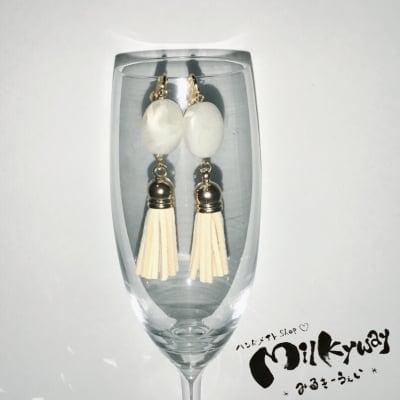 現品限り♡フリンジ&大理石風ビーズ♡ホワイト♡ピアスorイヤリング